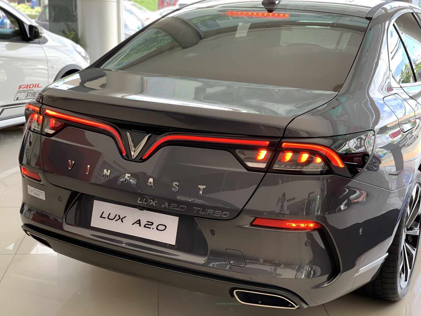 duoi xe lux a2.0