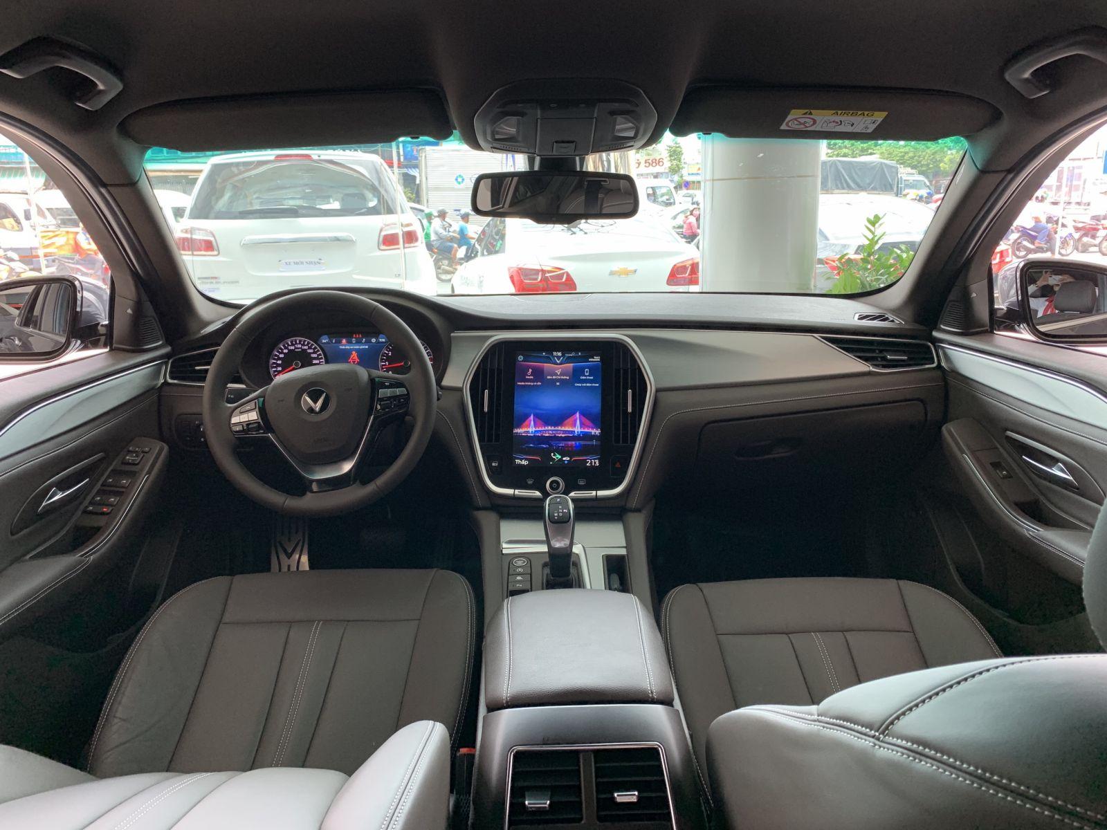 tính năng an toàn xe Lux