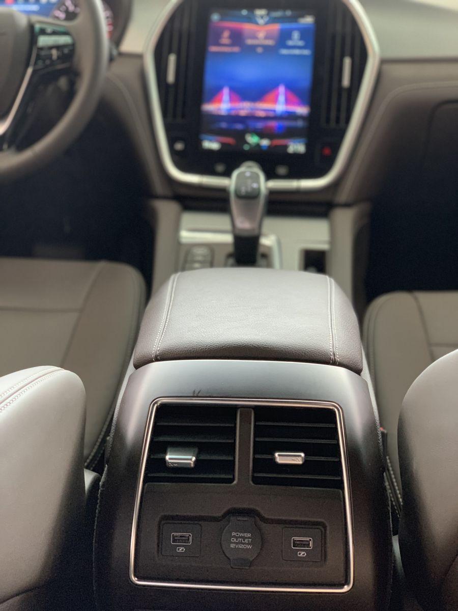 màn hình xe Lux