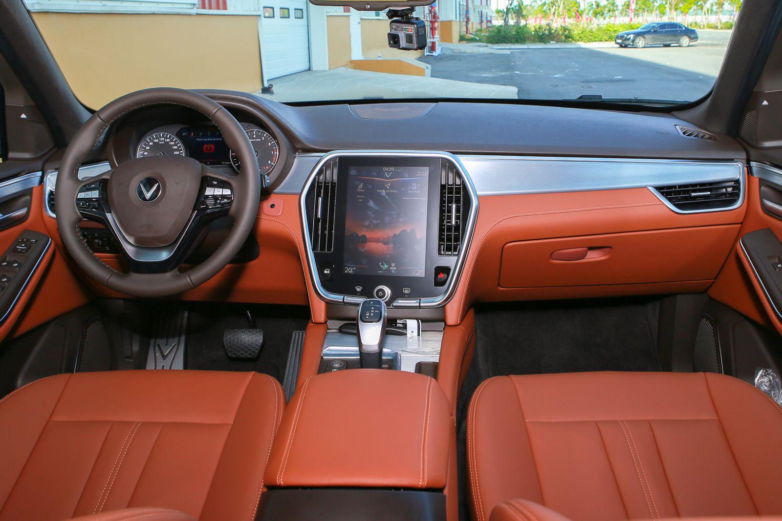 trang bị an toàn xe Lux SA